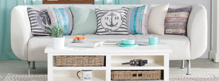 Sofa im maritimen Stil