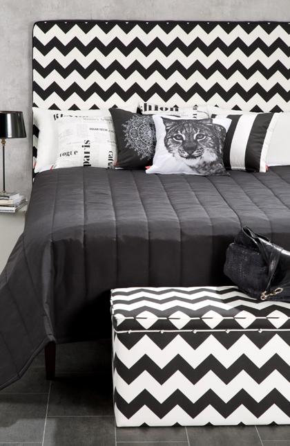 Schlafzimmer in Schwarz und Weiß